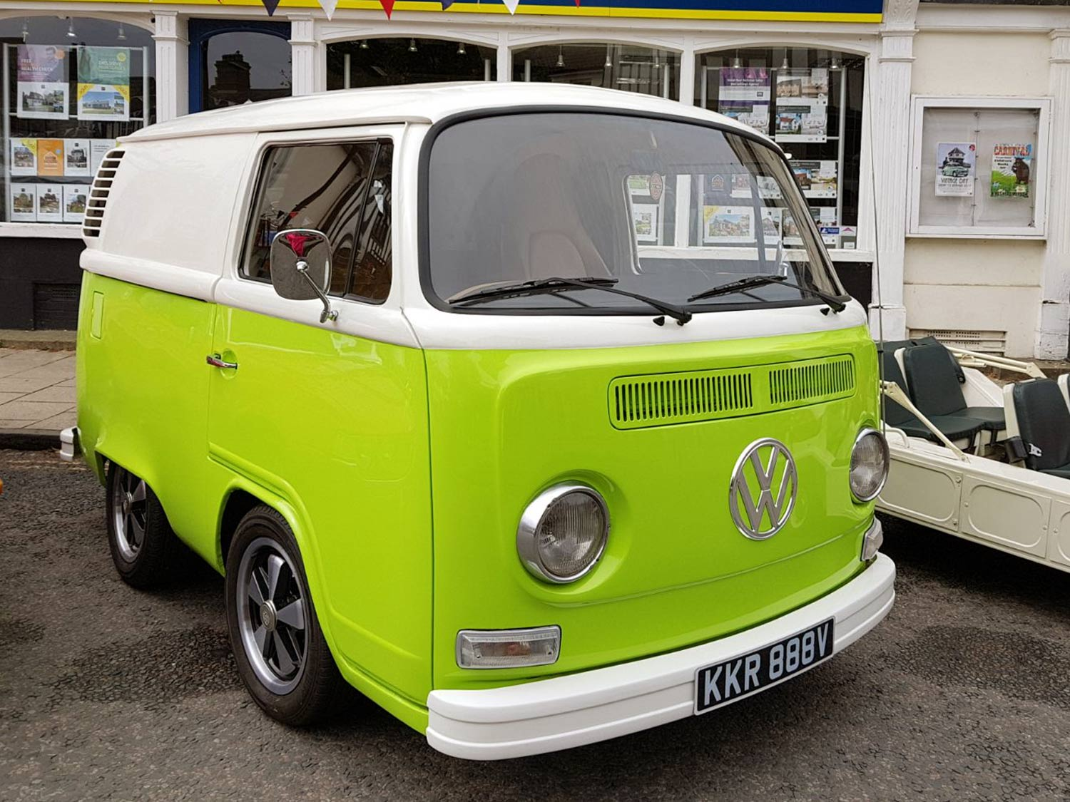 Lime Green VW Shortie Picture 1